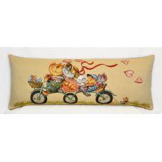 Подушка гобеленовая Велопрогулка кошки 35x90 см, фото 1