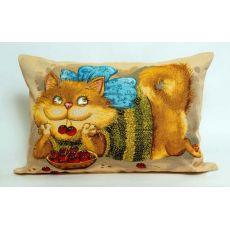 Подушка гобеленовая Баловни кот с вишней 45х63 см, фото 1